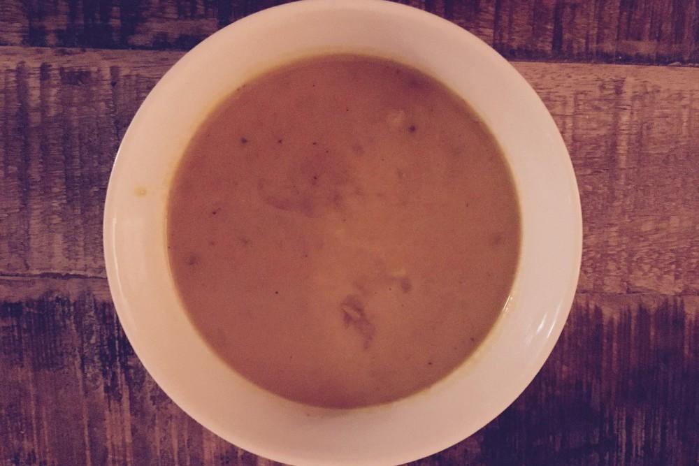 Scharfe Kürbis-Kokosmilch-Suppe