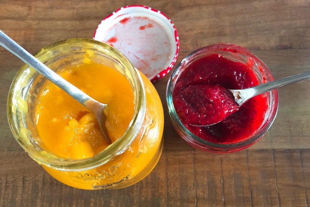 Low Carb zuckerfreie Marmelade mit Erbeeren, Himbeeren, Mango
