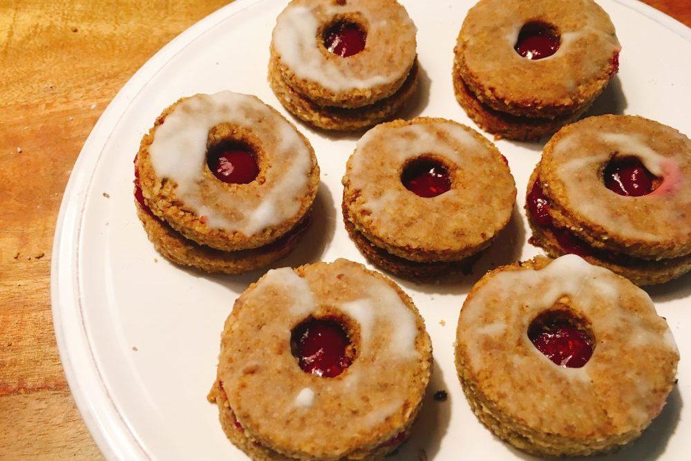 Zuckerfreie Low Carb Hildaplätzchen (Spitzbuben) Rezept